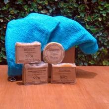 Naturais e Veganos Born Saboaria (2 Xampu + 1 Condicionador + 1 Sabonete para todos os tipos de pele e cabelo) + 1 Toalha para Cabelo